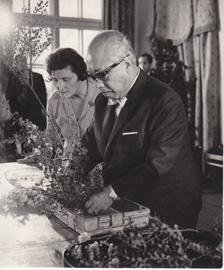 Софу Тэсигахара на занятиях с членами московского клуба «Икэбана» в ГБС АН СССР