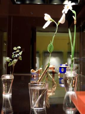Цветы и ветка черники в стакане. Россия. Фаберже